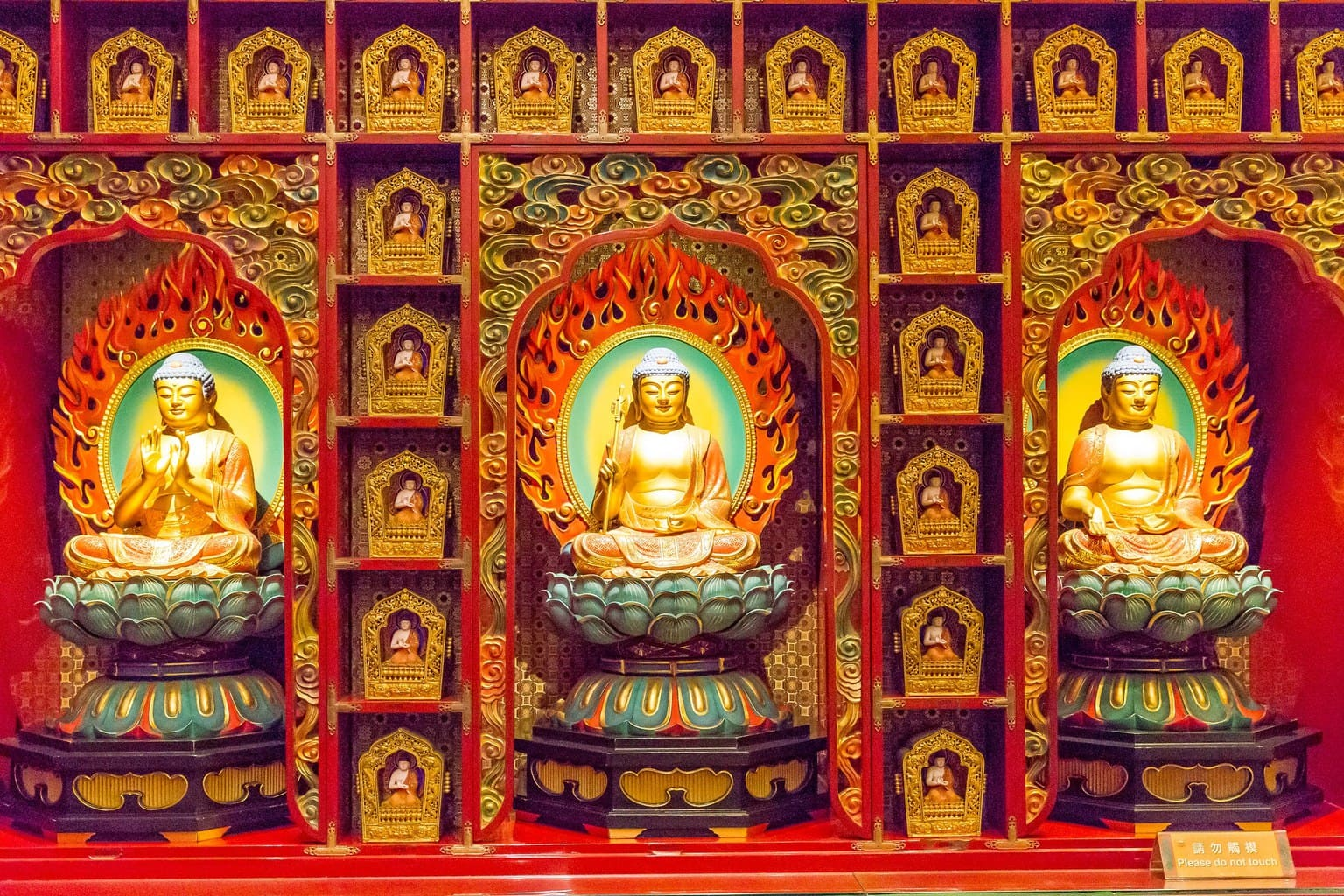Buddhist statues in the Buddha Tooth Relic Temple