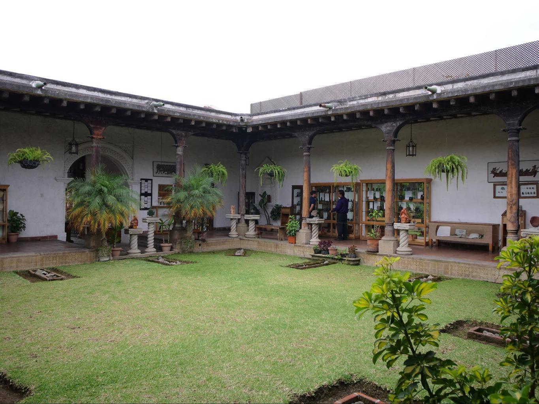 Learn about jade stones at La Casa del Jade