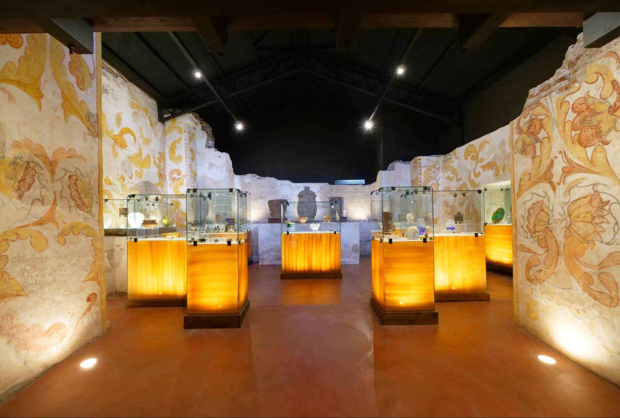 Pre-Columbian and Glass Museum