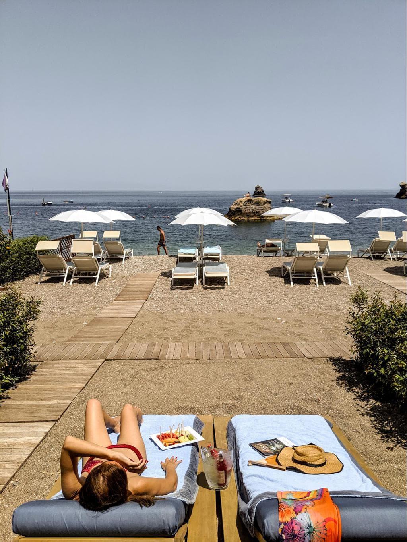 Belmond Villa Sant'Andrea beach cabanas 01