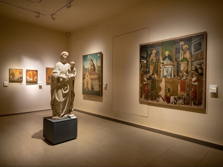 Bellomo Palace Regional Gallery inside 01