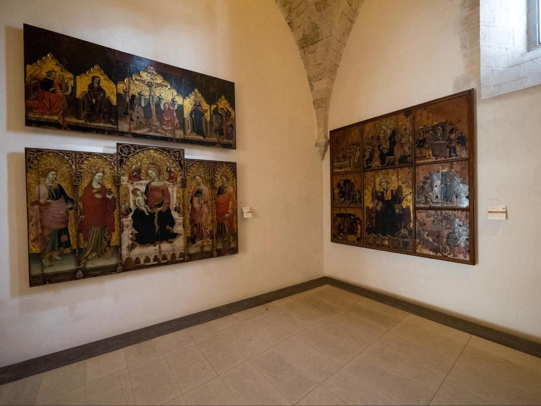 Bellomo Palace Regional Gallery inside 02