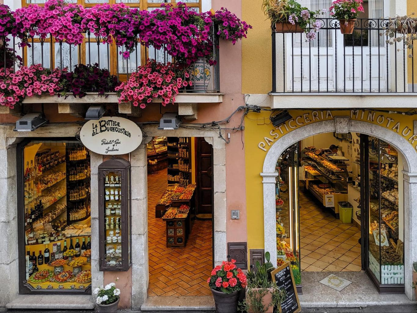 Buy marzipan in Taormina
