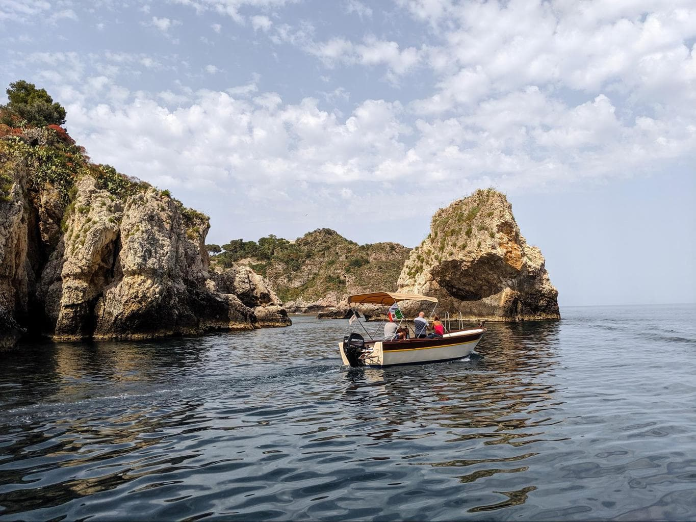 Guide to Taormina - Sail along the coast