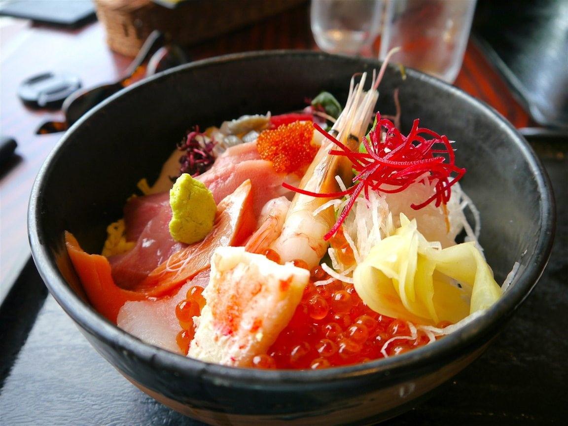 Healthy food in Japan - Chirashi bowl