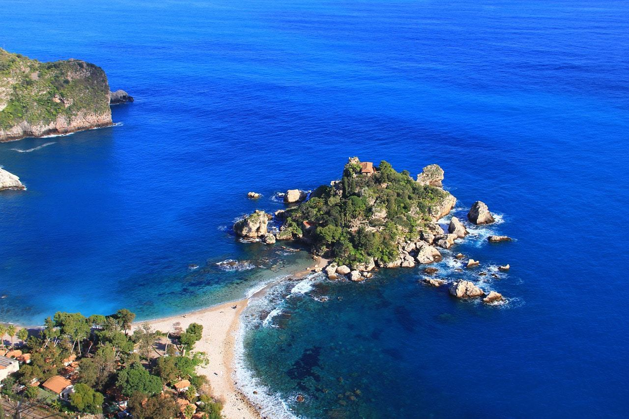 Picturesque beaches of Sicily