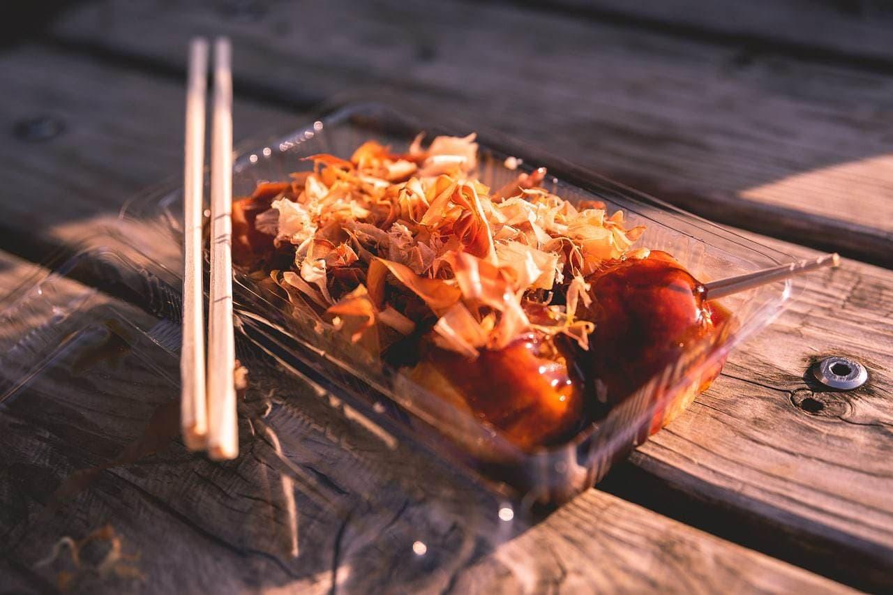 Takoyaki to go, one of the tastiest Japanese foods