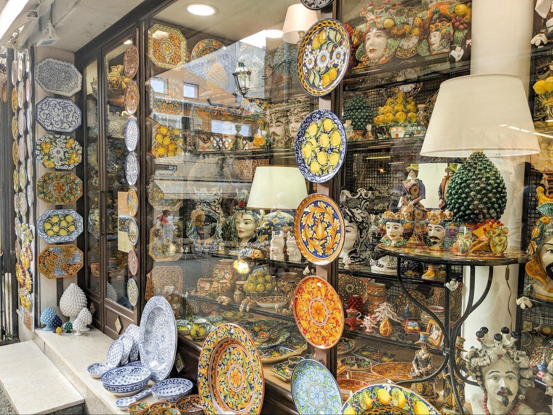Taormina shops 01