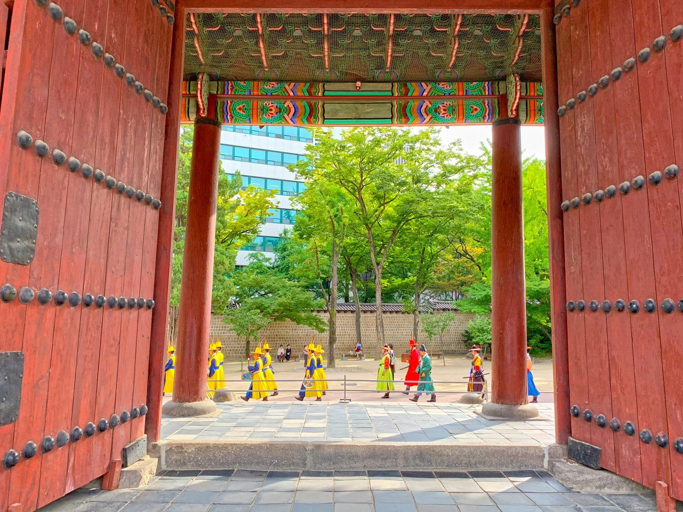 Changing of the guards at Deokhongjeon Palace