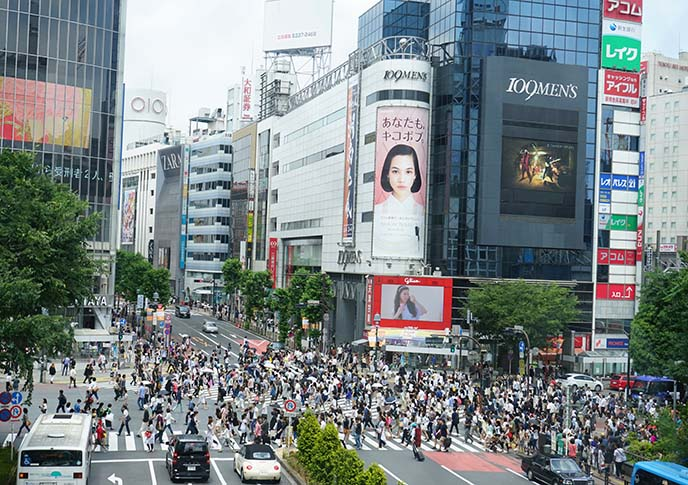 Crossing the Shibuya scramble is a must thing to do in Japan