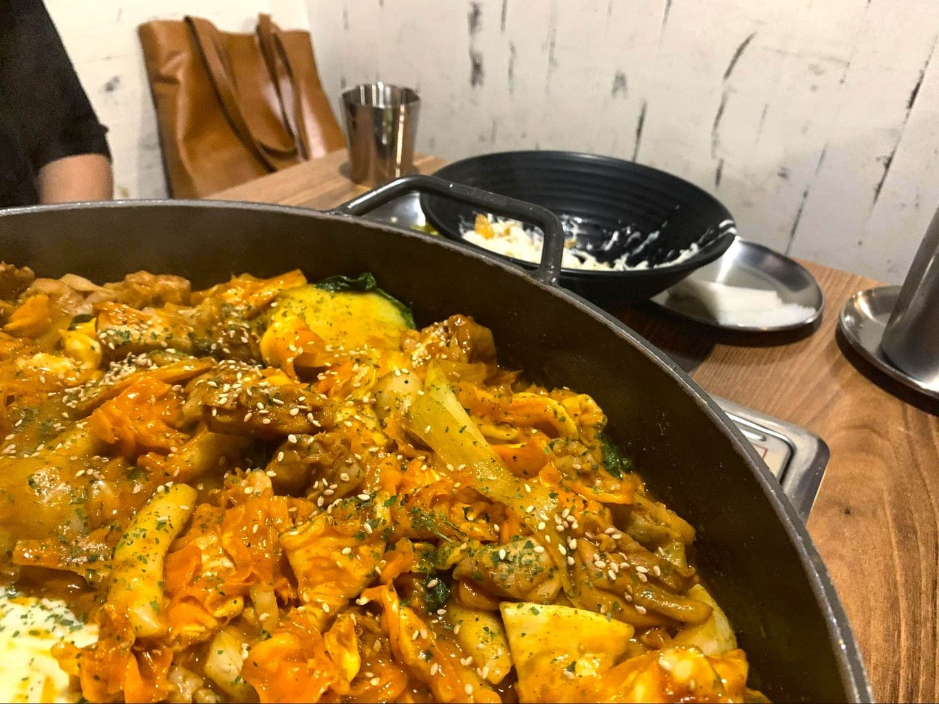 Dak galbi (spicy stir-fried chicken)