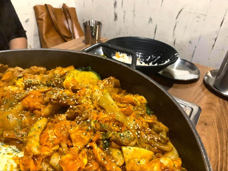 Dak galbi (spicy stir-fried chicken)