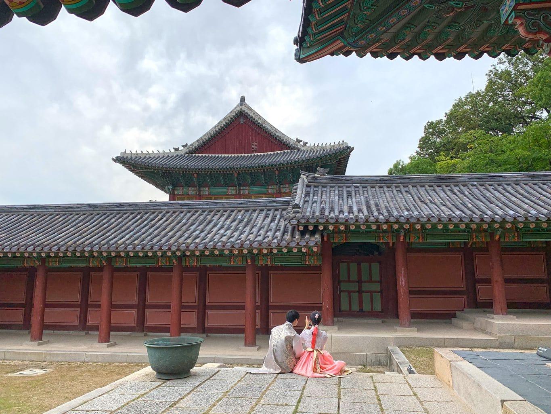 Having fun in hanbok at Changdeokgung Palace