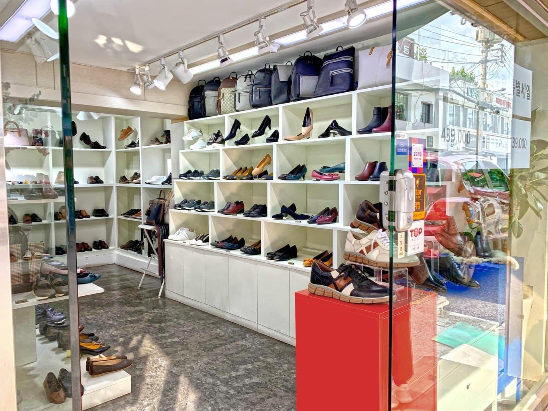 Shoe shop in Seongsu