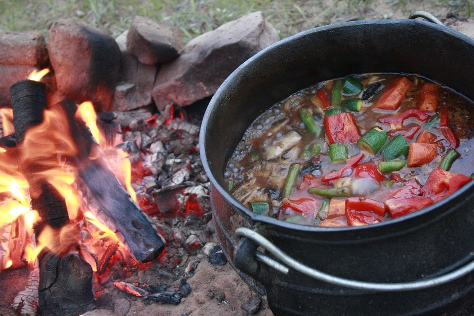 Slow cooking the potjie outside