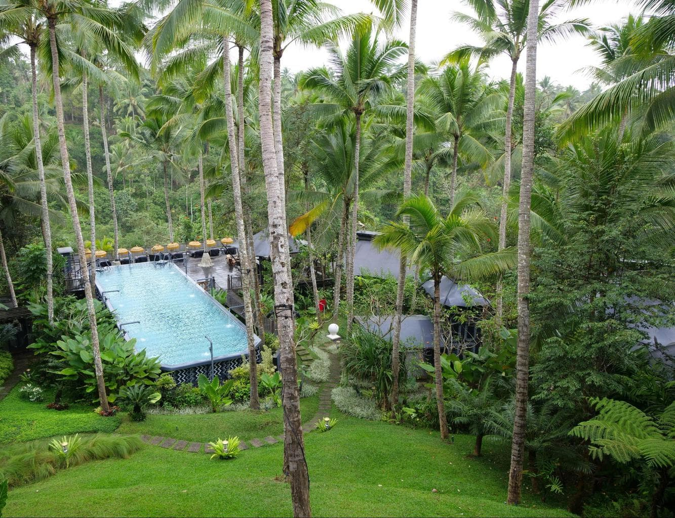 The cistern pool and resort grounds