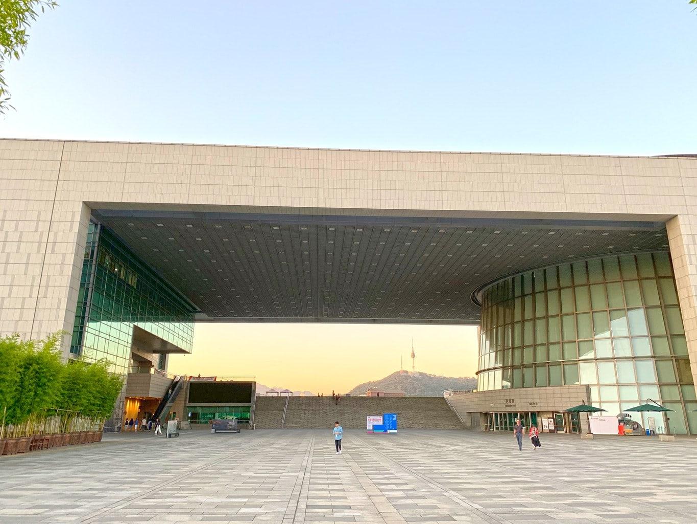 The massive National Museum of Korea