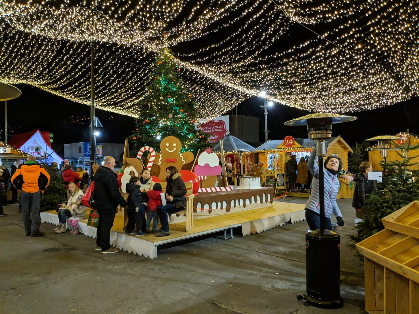 """Christmas market in Andorra"""