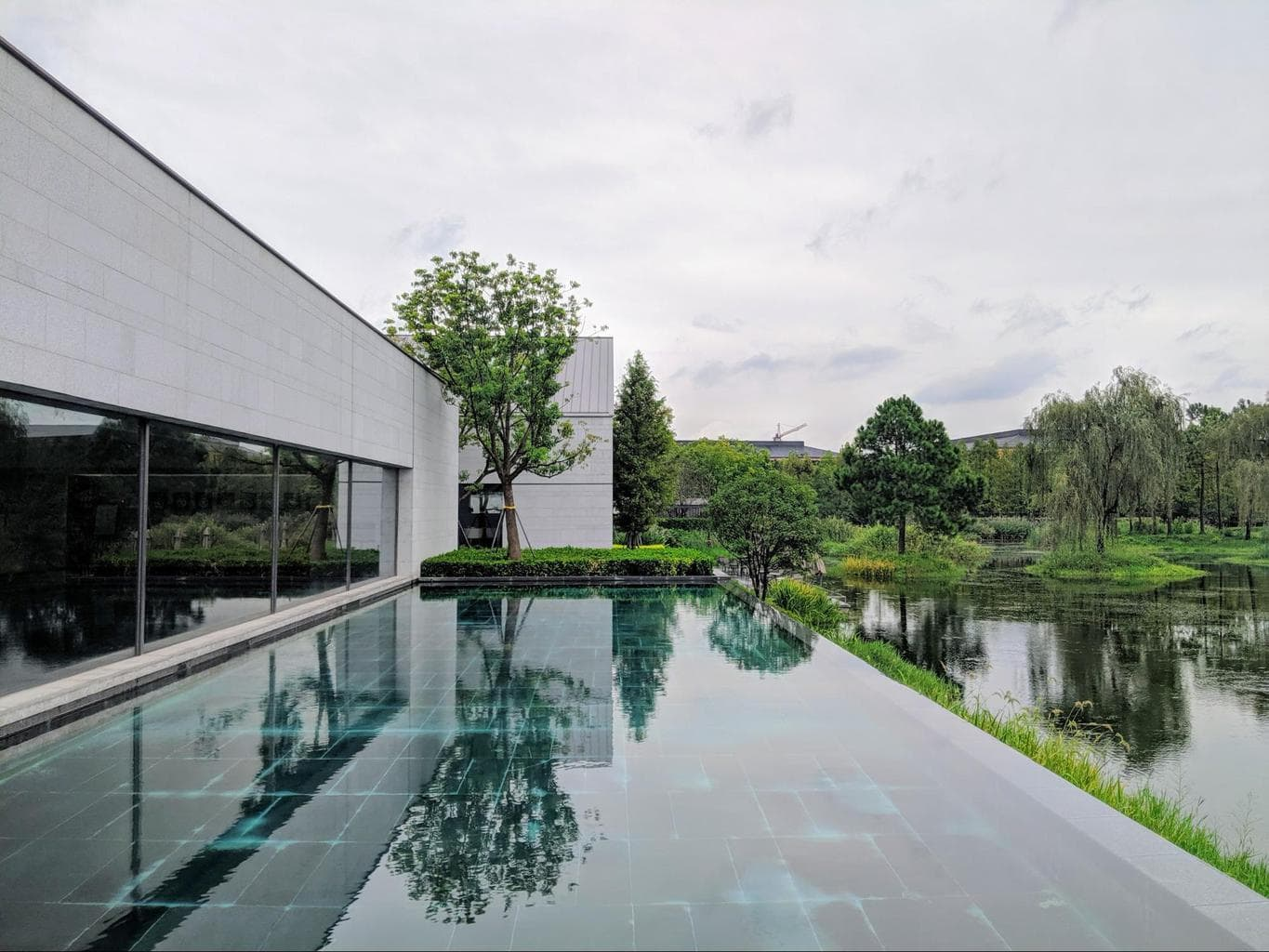 The outdoor pool at Alila Wuzhen
