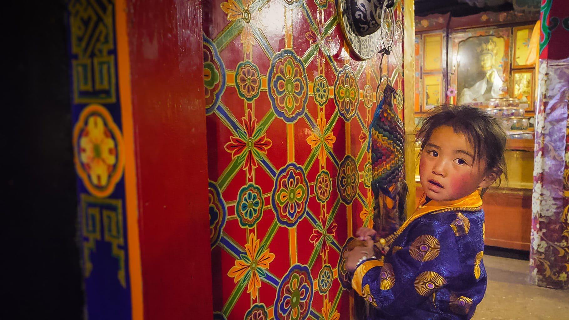 Tibetan girl at Jokhang Temple