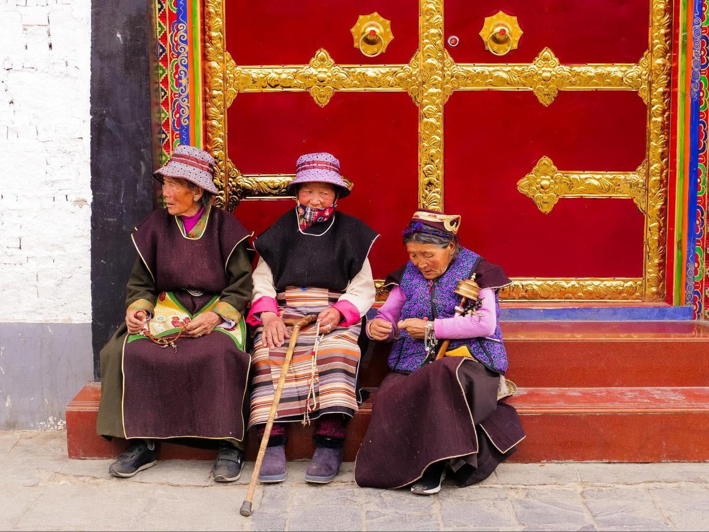 Tibetan women in Old Lhasa
