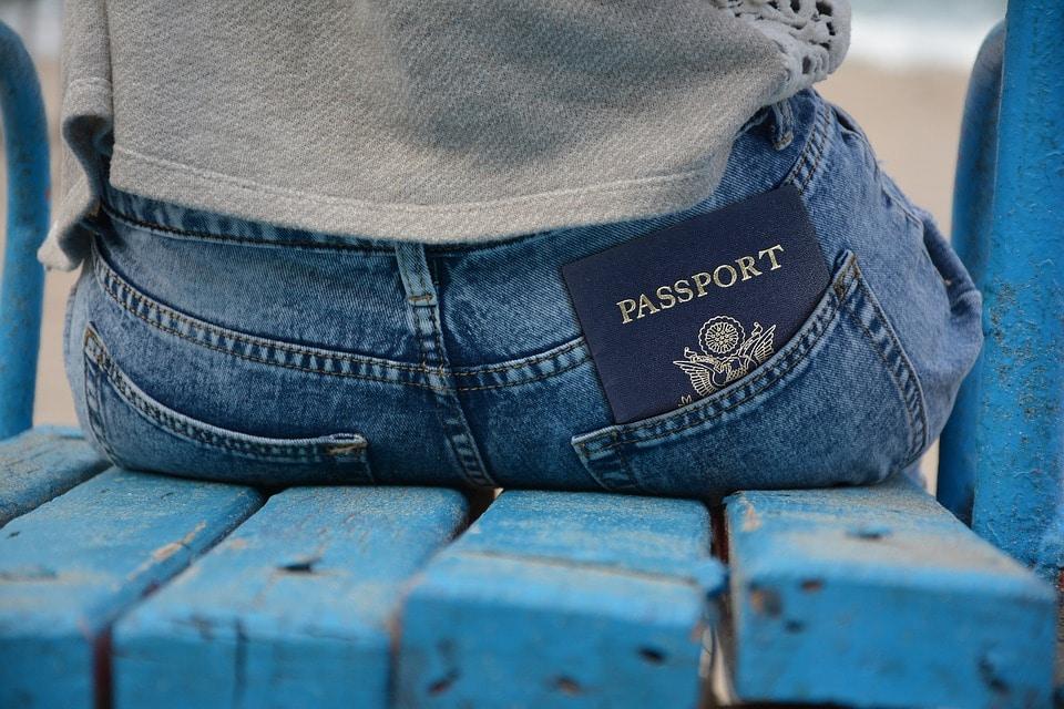 US requires visitors to obtain a visa