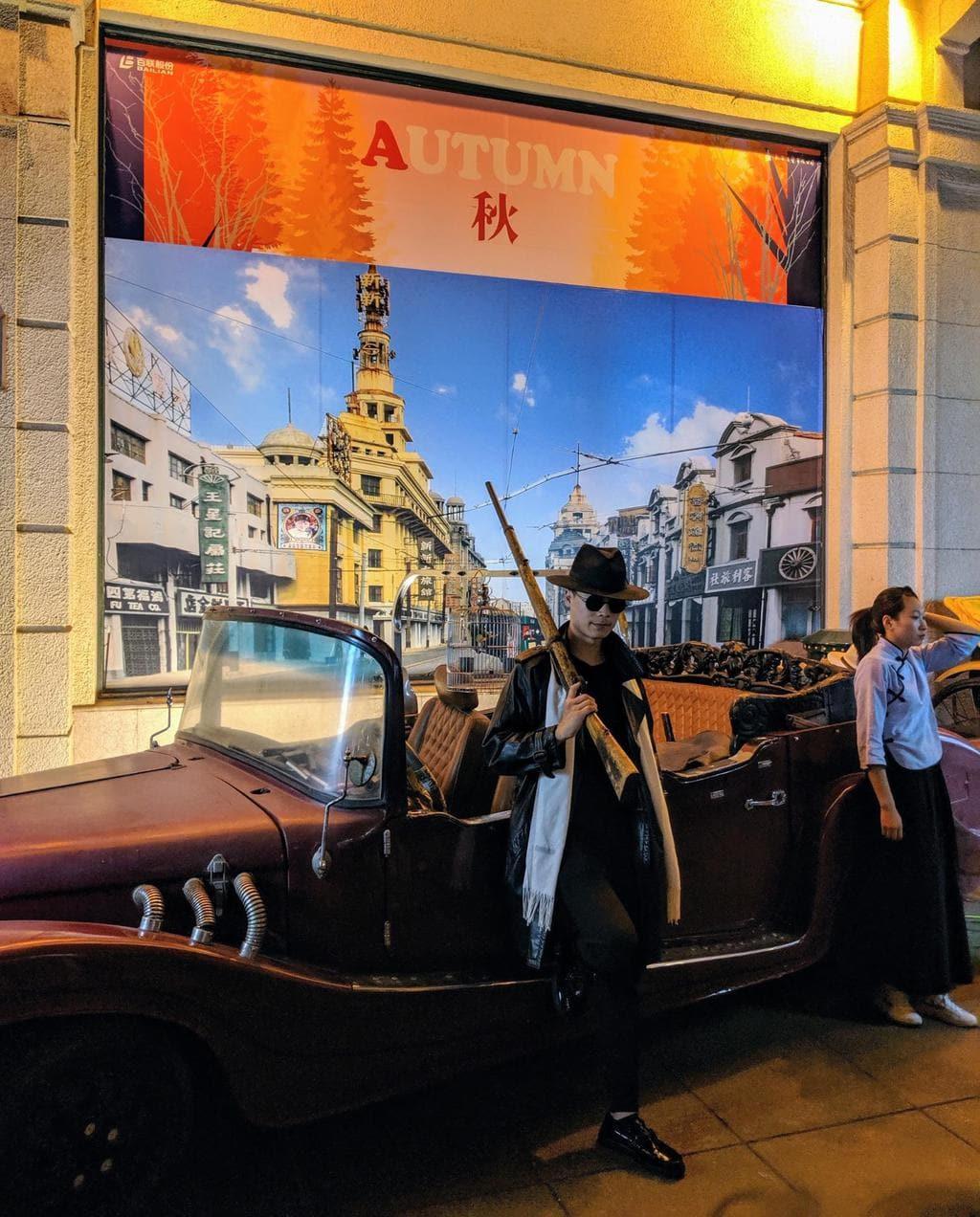 Photo ops on Nanjing Road
