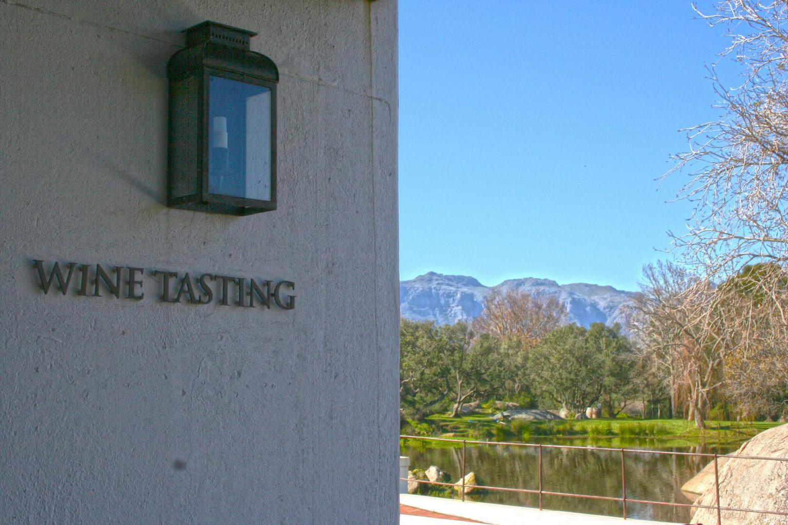 Tasting etiquette in Cape Town