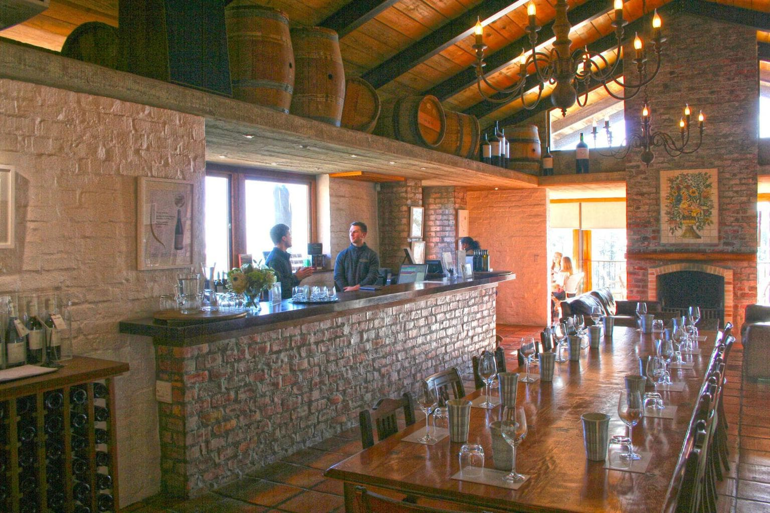 The tasting bar at Uva Mira