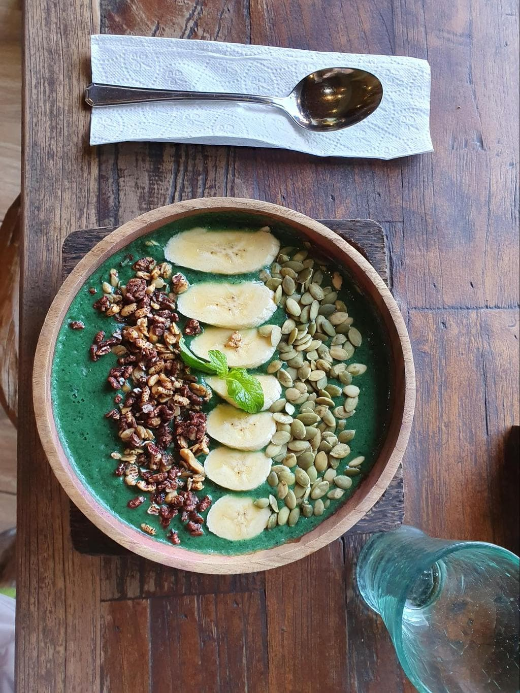 Atman breakfast smoothie bowl green base