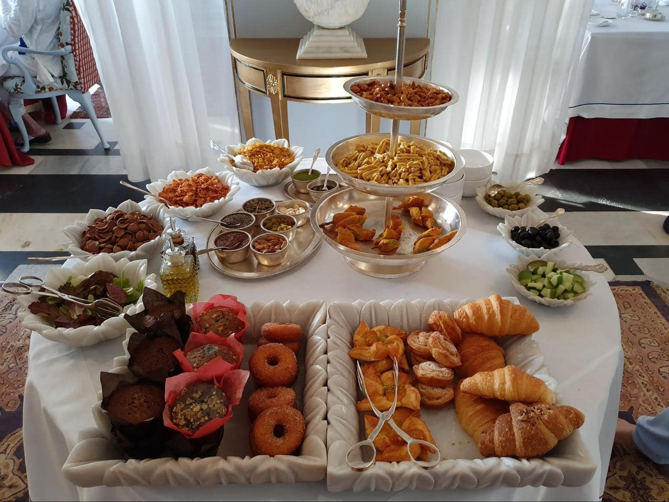 Breakfast buffet at Shiv Niwas Palace