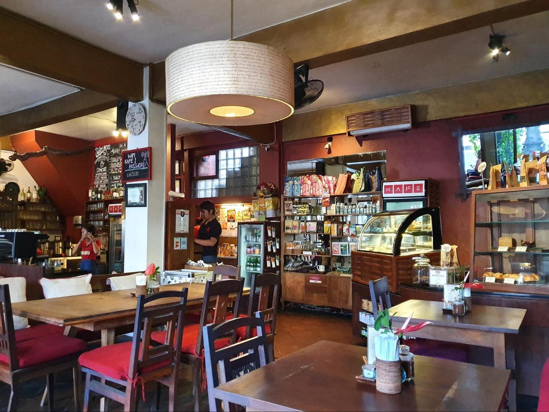 Kafe Ubud interior