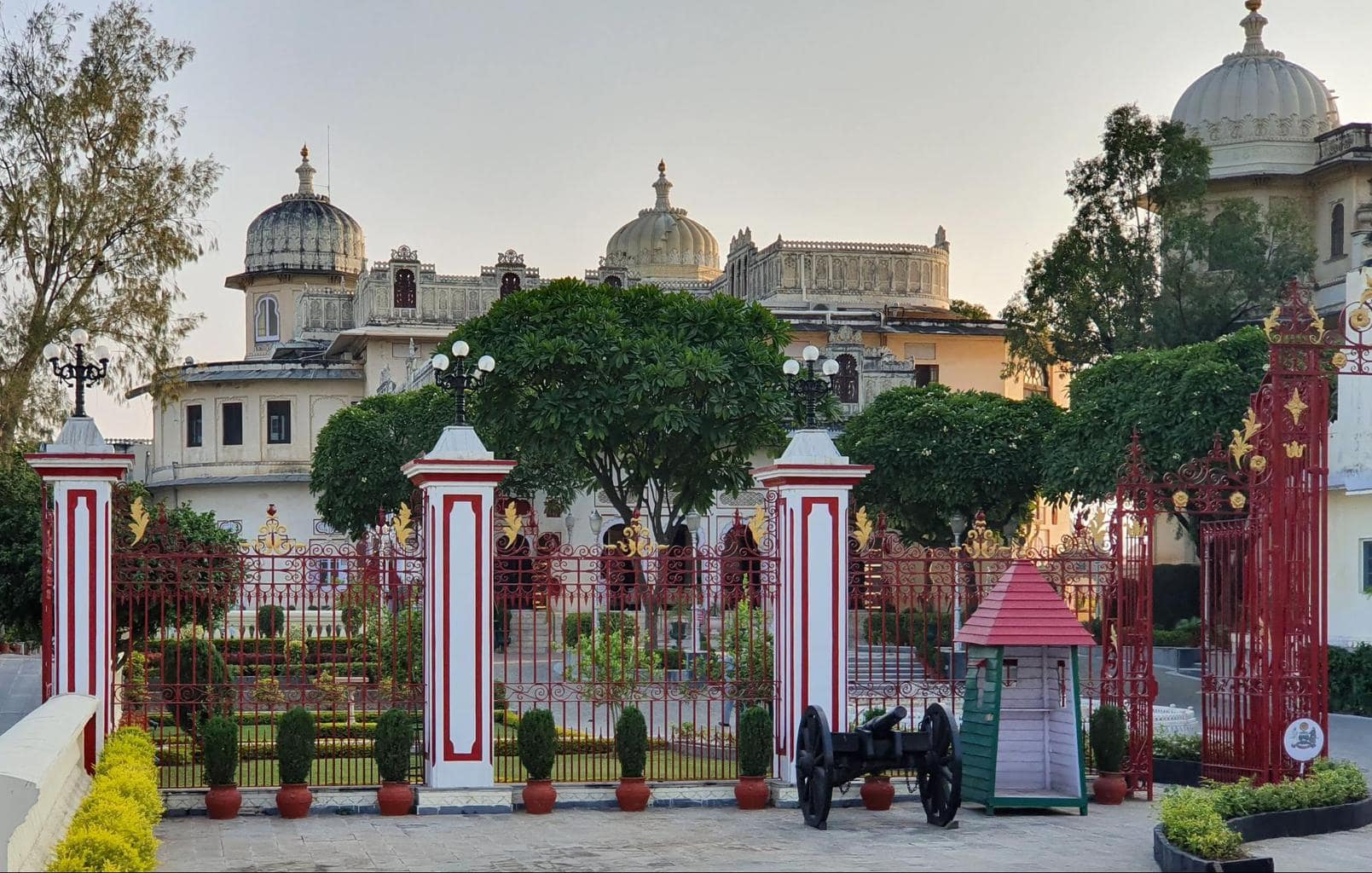 Shambu Niwas, part of the City palace and adjacent to Shiv Niwas Palace