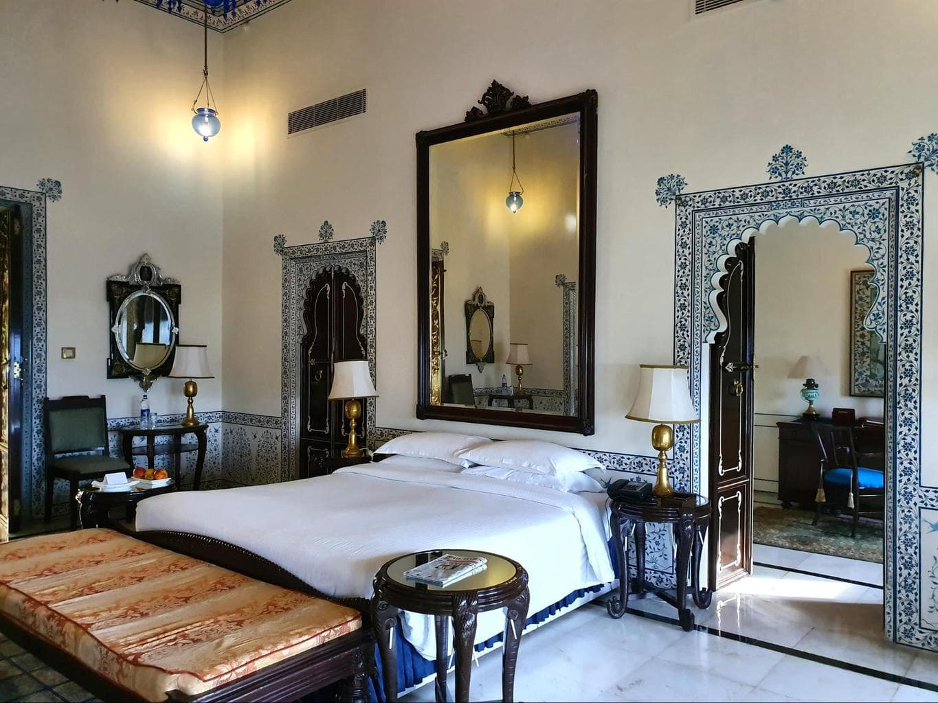 The Imperial Suite at Shiv Niwas Palace 02