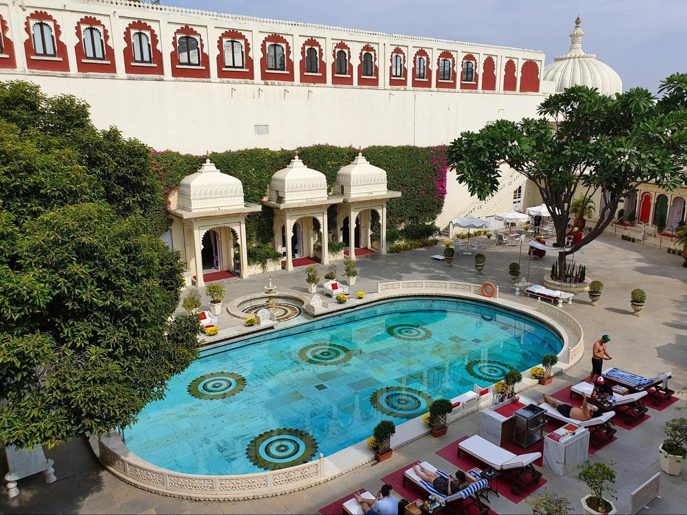 The pool at Shiv Niwas Palace
