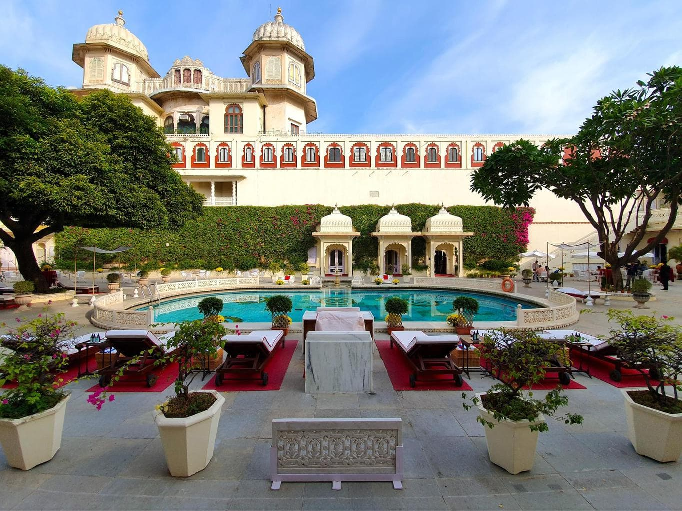 The pool courtyard at Shiv Niwas Palace