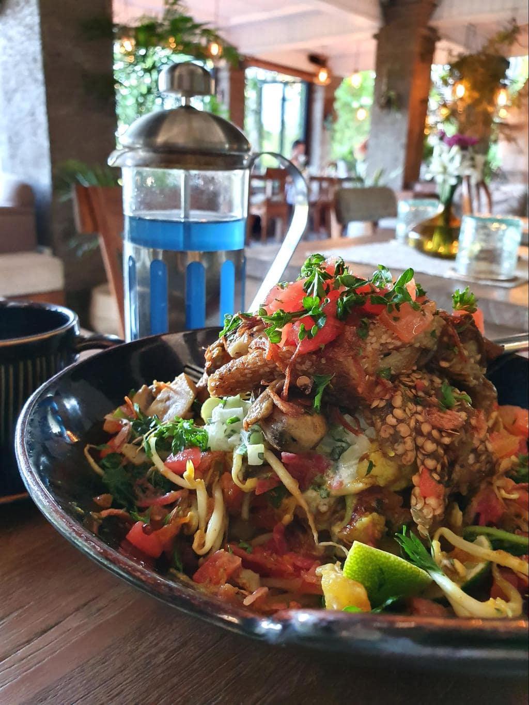 Zest Ubud hummus salad bowl