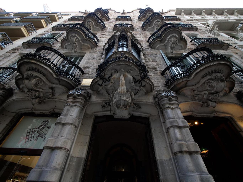 Casa Calvet facade