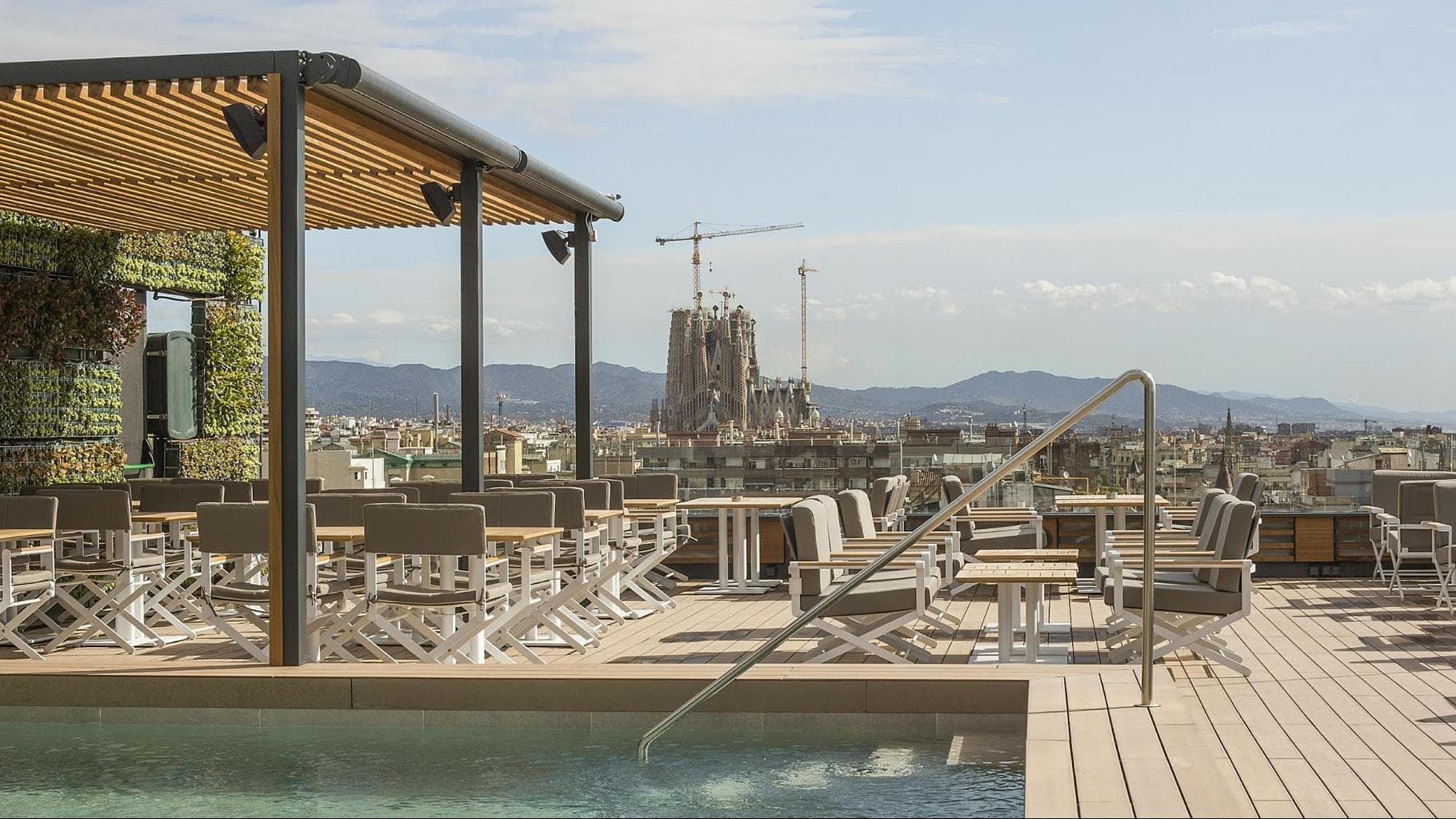 La Dolce Vitae rooftop pool, bar and restaurant at Majestic Hotel & Spa Barcelona