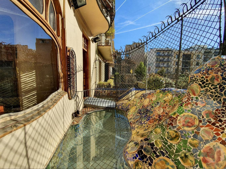 A detail of Casa Batlló trencadis