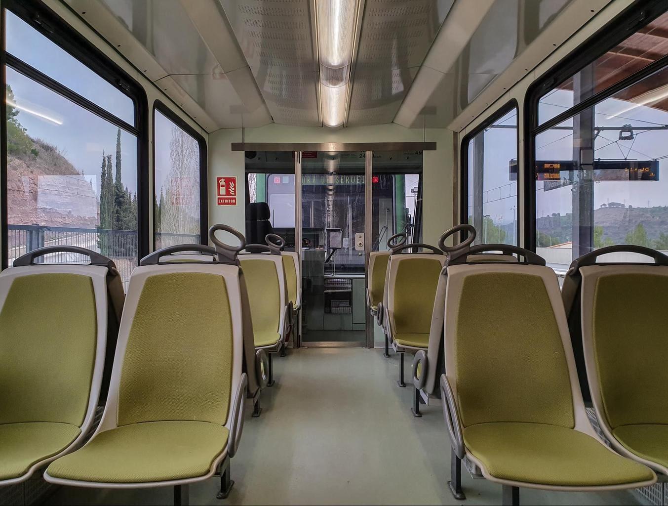 Cremallera train to Montserrat inside