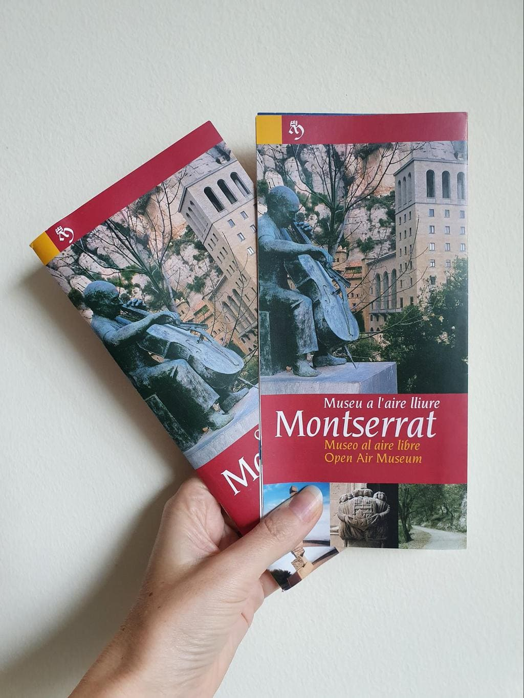 Map and brochure to hiking routes and things to do in Montserrat