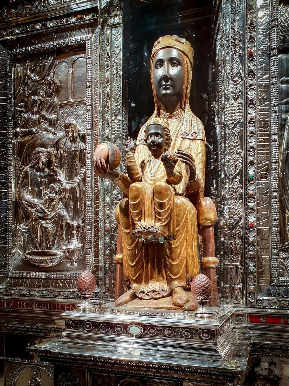 Our Lady of Montserrat statue 01