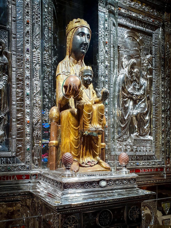 Our Lady of Montserrat statue 02