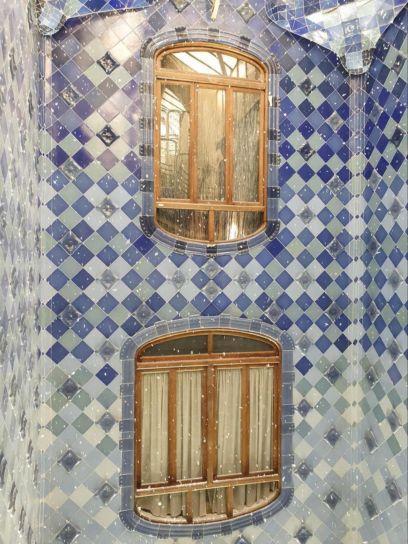 Snowing inside Casa Batlló skylight