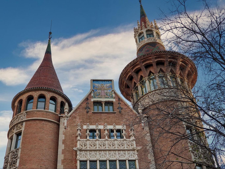 The main facade of Casa de les Punxes