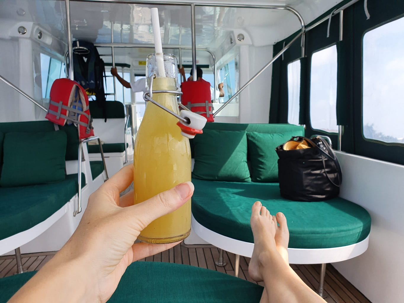 Pick up from the airport to Gili Lankanfushi
