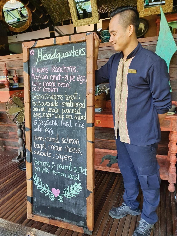 Blackboard breakfast menu at Shinta Mani Wild