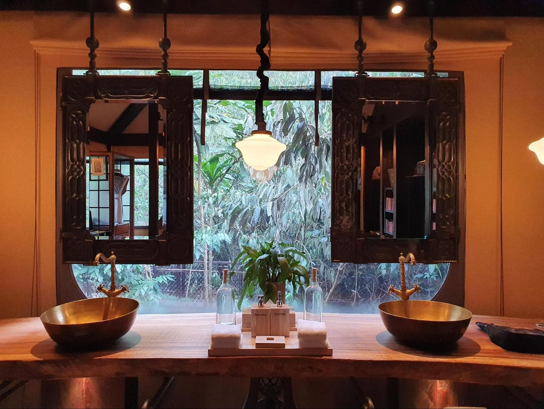The bathroom at Shinta Mani Wild