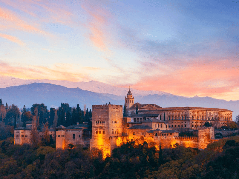 La Alhambra at night